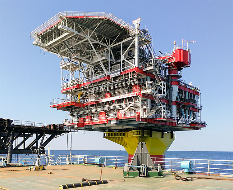 Wellhead platform: 2nd phase of Yu. Korchagin oilfield